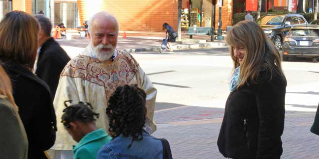 Jesuit from Kino Border Initiative in Mexico visits Charlotte